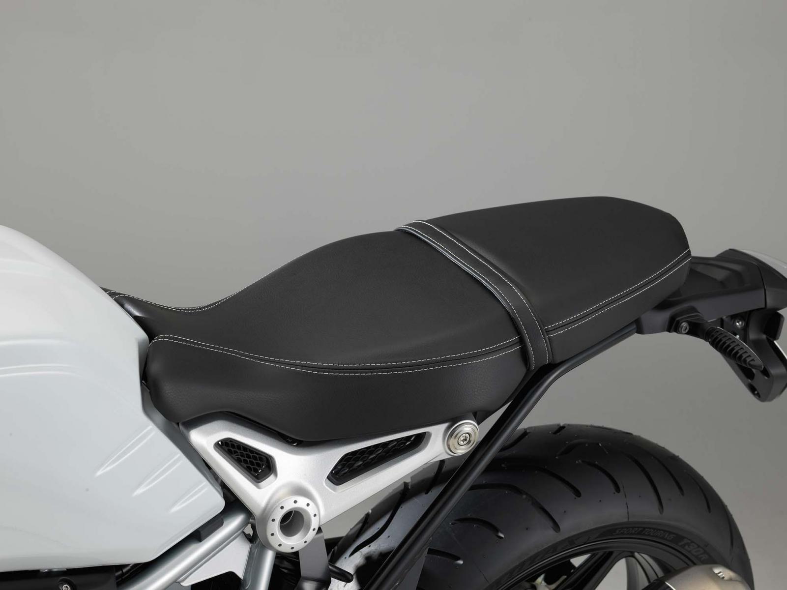 r nine t racer passenger bmw ninet forum. Black Bedroom Furniture Sets. Home Design Ideas