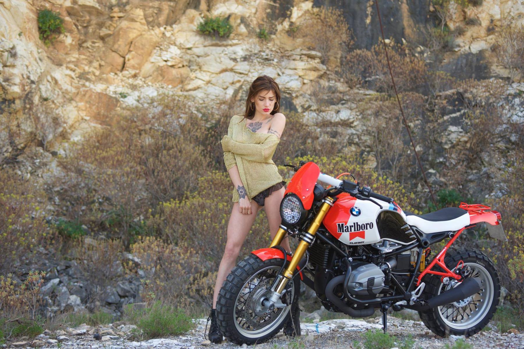 BMW R Ninet Marlboro ... and girl... - BMW NineT Forum